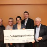 Madame Fanie Ouellet et Monsieur Alain Robitaille remettent 30 000 $ à la Fondation Hospitalière d'Amos