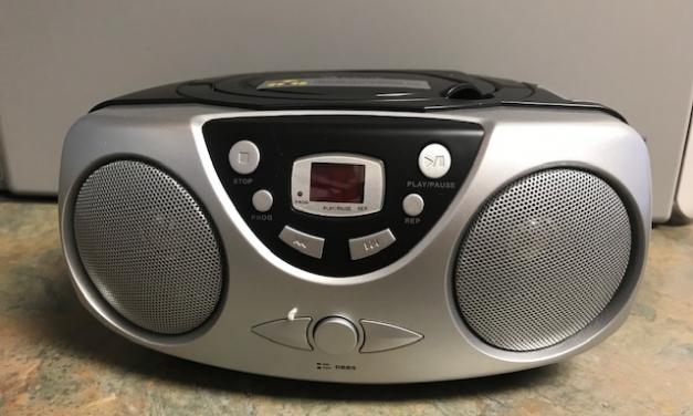 DON de 10 radios-CD pour le bénéfice du CHSLD d'Amos.